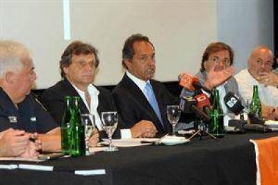 Scioli plante� revisar el rol de las Fuerzas Armadas en la lucha contra el narcotr�fico