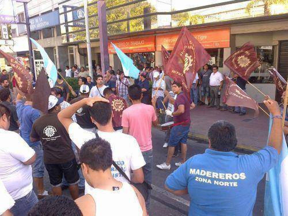 Sindicalistas manifestaron frente al Ministerio de Trabajo regional Tigre