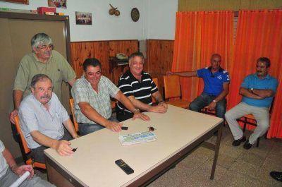 Almaceneros de Pico no quieren modificaciones al cierre dominical