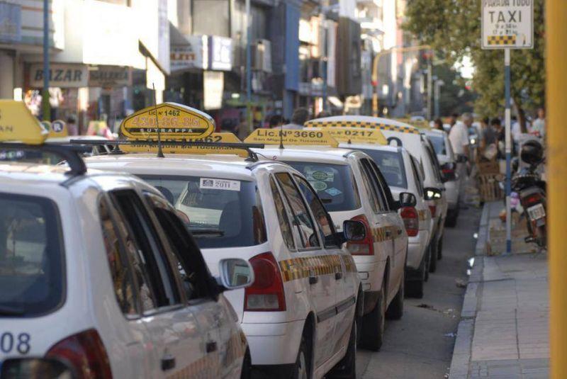 Los taxistas vuelven a la cargacon el pedido de aumento de la tarifa