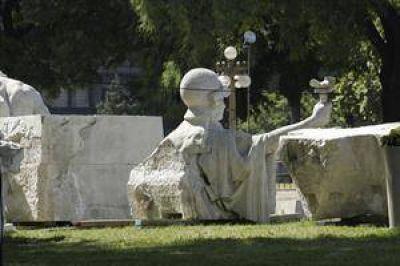 """Horacio Rodríguez Larreta: """"Es indignante que la estatua de Colón haya aparecido con rajaduras"""""""