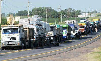 Restringen la circulación de camiones por las rutas