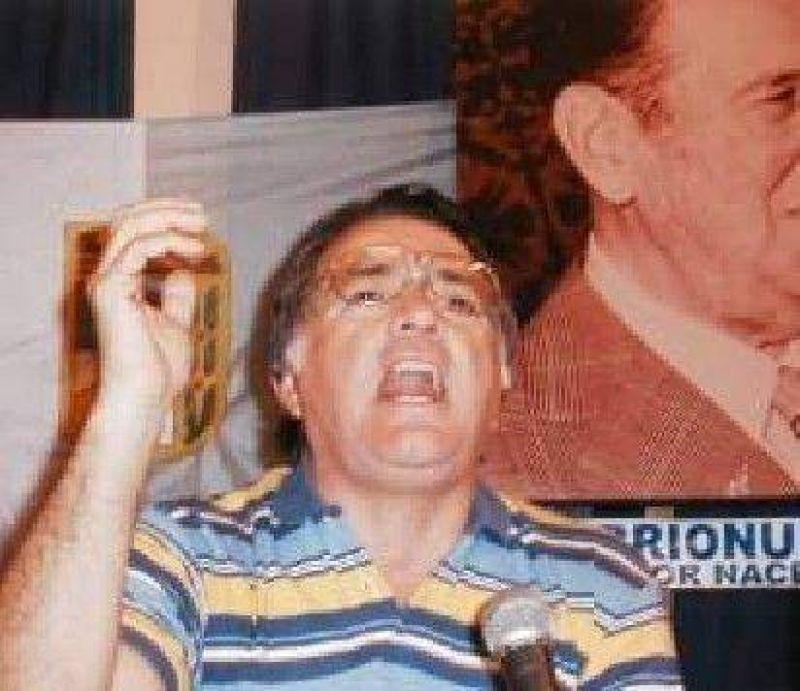 Barrionuevo se quedó con el sello, pero Kirchner le intervino el partido