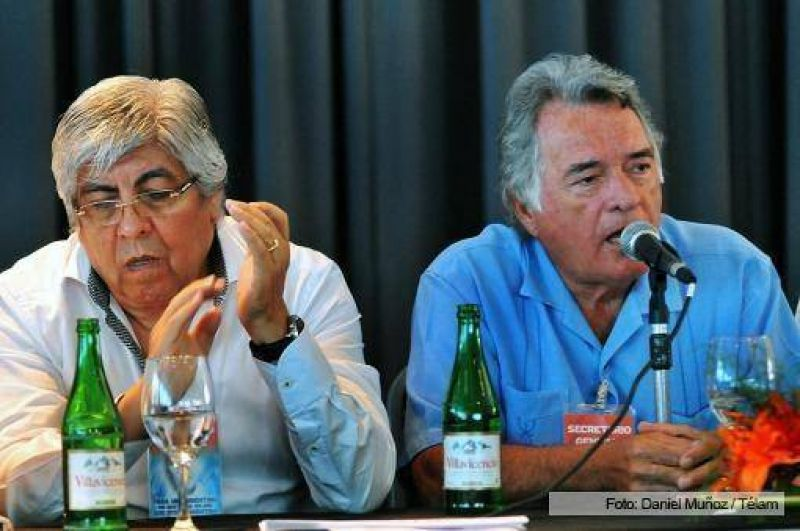 """Moyano y Barrionuevo sellaron un pacto de """"unidad sindical"""" en Mar del Plata"""