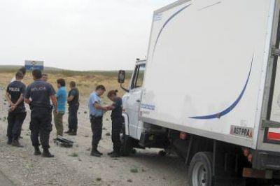 Piratas del asfalto tirotean camión de repartidor para robarle en la autovía entre Trelew y Madryn