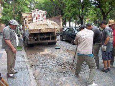 Reparan calles empedradas