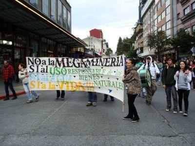 Nueva marcha en contra de la megaminería con uso de cianuro