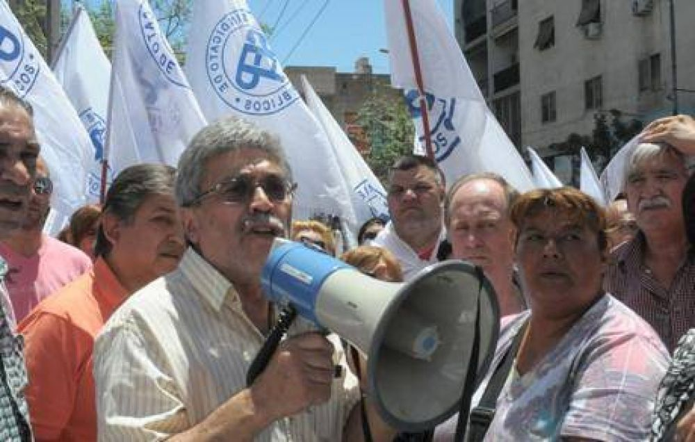 Muy ofendido, el SEP retira sus embajadores