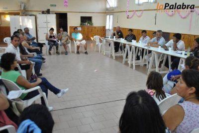 Curetti se reunió con vecinos e instituciones barriales para trabajar sobre seguridad y contención