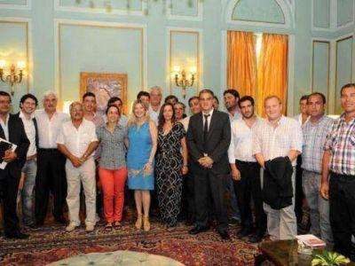 Álvarez Rodríguez recibió a una veintena de concejales oficialistas de la Segunda Sección