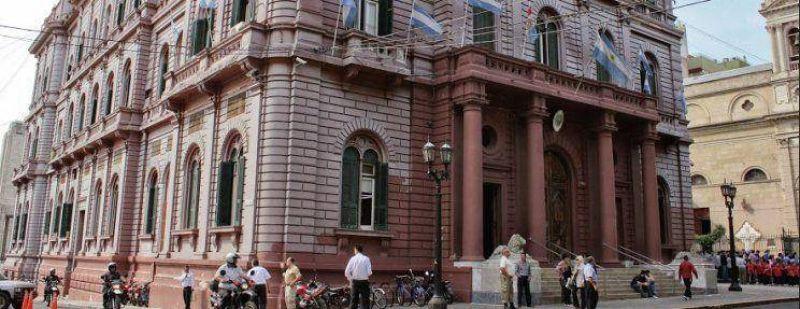 Municipales apuran la paritaria y van por una suba del 30%