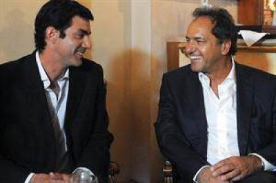 """Avanza el plan para crear en los municipios bloques """"Scioli 2015"""""""