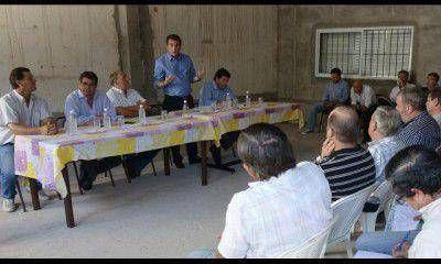 En Alvear, Pérez está reunido con productores por la ley de Aguas