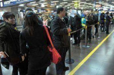 Por escalada del dólar, se complicó la operatoria en agencias de viajes
