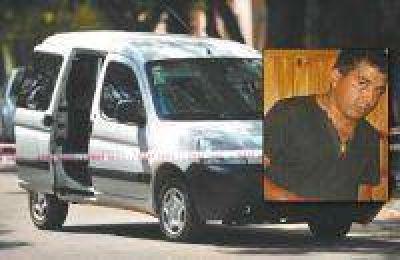 Golpe al blindado: analizan las huellas encontradas en la camioneta de los ladrones