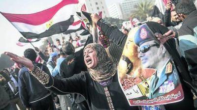 Violento aniversario de la caída de Mubarak en Egipto: 30 muertos