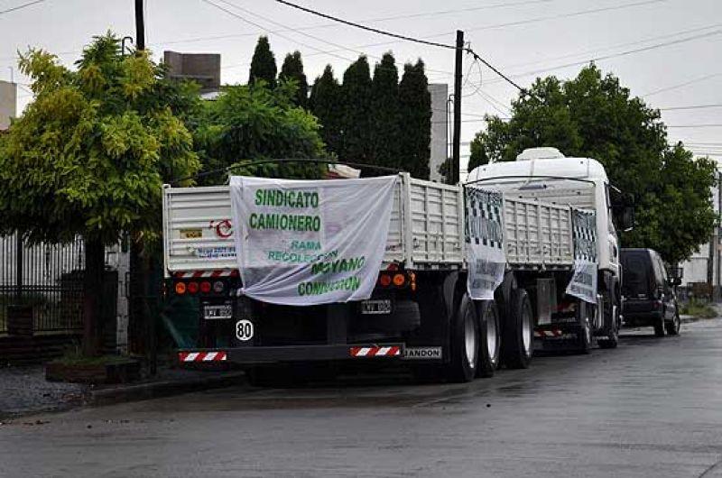 Trabajo convocó a audiencia por el conflicto con Camioneros
