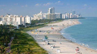 A la playa, con calculadora: los cambios de precios para turistas que viajaron al exterior en enero
