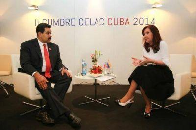 Cristina mantuvo reuniones bilaterales con Mujica, Maduro y Peña Nieto