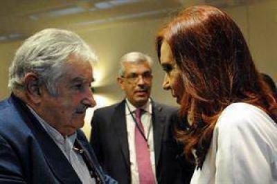 Cristina busc� en Cuba apoyo regional ante la suba del d�lar