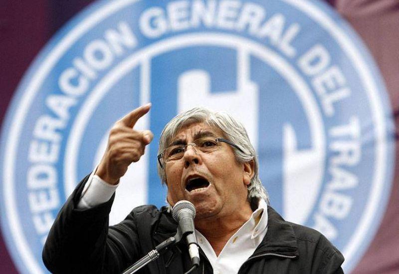 Moyano reclam� una suma fija de $3000 para compensar la inflaci�n