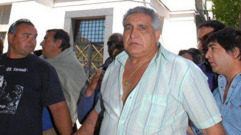 """El """"Pata"""" Medina fue detenido tras atrincherarse en su auto"""