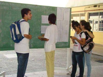"""Zorrilla dijo que unos diez mil estudiantes son los que asisten a """"Estudiar en Verano"""""""