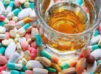 Costa: intoxicados por alcohol bajan pero sube abuso de psicofármacos en mujeres