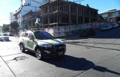 """Google registra imágenes en Bariloche con su """"llamativo"""" vehículo"""