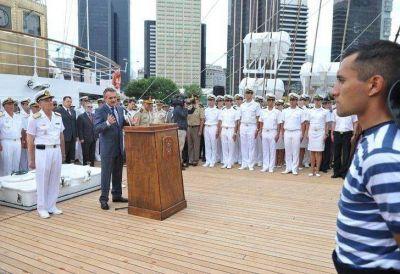 La Fragata Libertad vuelve a viajar por aguas internacionales