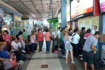 Transporte de pasajeros: a pesar de la amenza de paro contin�a la venta de pasajes