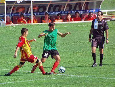 Douglas venció a Barracas en su último amistoso con goles de Cuevas y Mazza