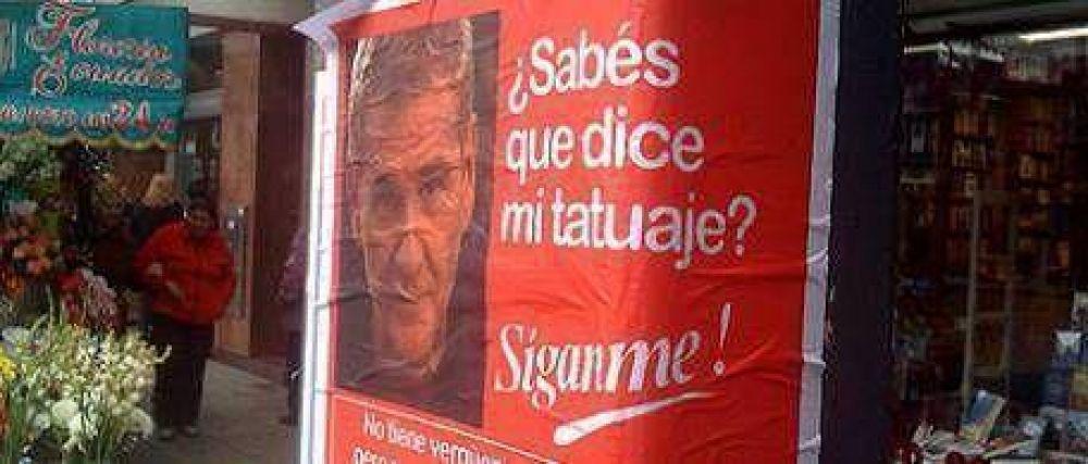 Sigue la guerra de afiches: ahora le tocó a De Narváez
