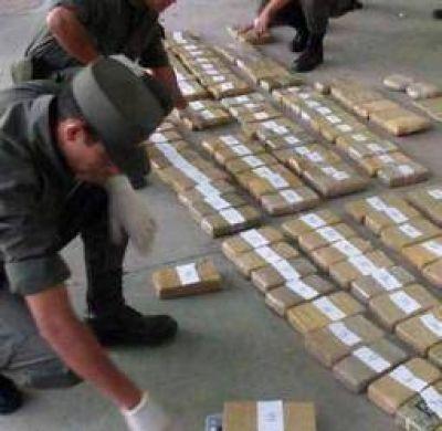 Detectan más de 100 kilos de cocaína en un vehículo siniestrado