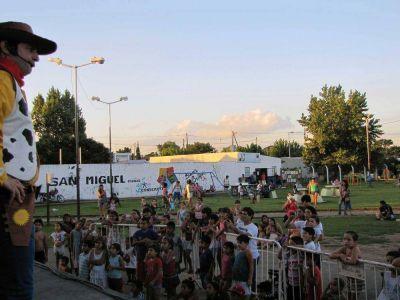 Cultura al aire libre: San Miguel lleva obras de teatro a los barrios
