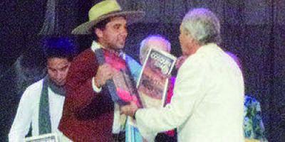 Honrosa distinción en Cosquín para Lázaro Caballero Moreno