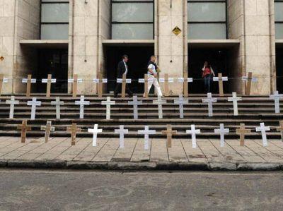 Familiares de la víctimas de la tragedia de Salta 2141 pidieron Justicia en las puertas de Tribunales