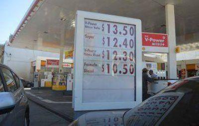 Shell ya vende la nafta a más de $ 13 y la brecha con YPF es amplia