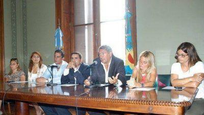Legisladores del massismo piden discusión del Presupuesto 2014
