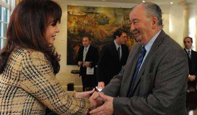 Cristina se reunió con Grondona y el Mundial 2010 se verá por Canal 7