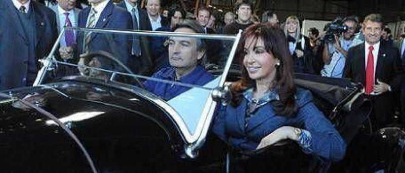 Cristina se qued� con las ganas del auto 100% argentino