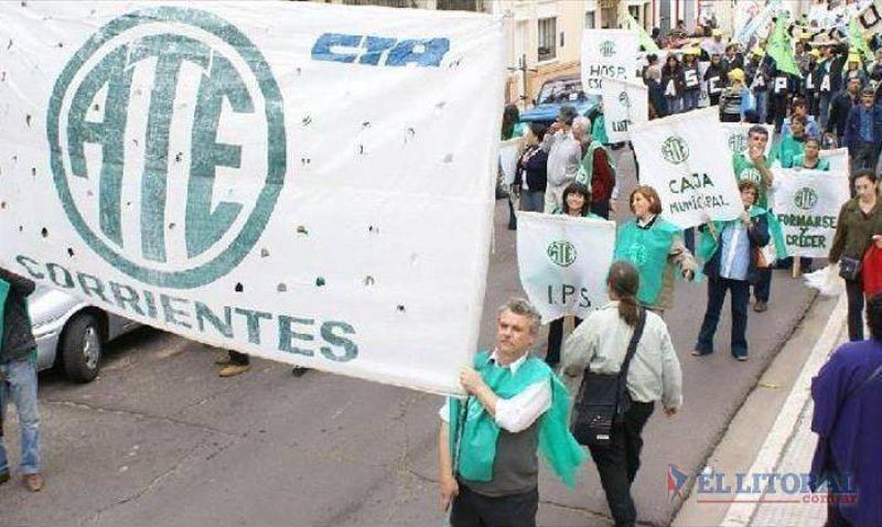 Gremios acusan maniobra del Gobierno para aplacar los reclamos de aumento salarial
