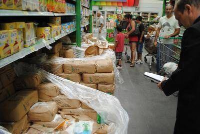 Efectuaron inspecciones en dos supermercados de Santa Rosa