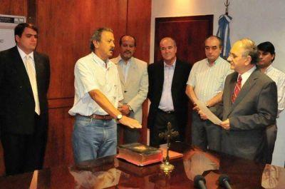 El gobernador tomó juramento al ministro de la Producción, Miguel Ángel Tiji