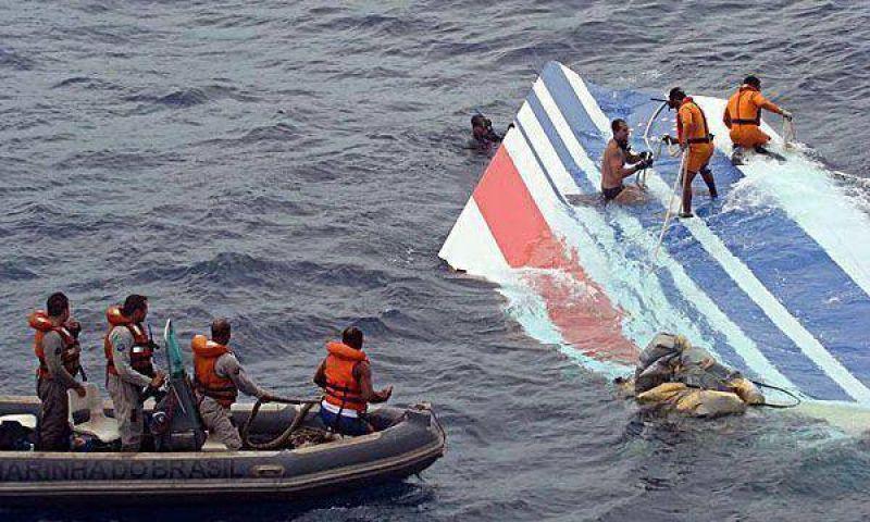 Tragedia del vuelo 447: ascienden a 24 los cuerpos rescatados