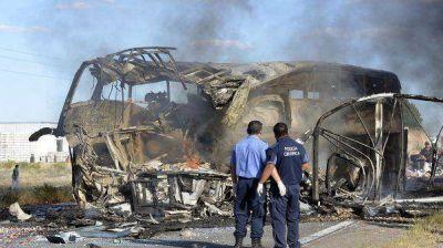 """Sobreviviente del accidente contó que el micro """"se prendió fuego en un segundo"""""""