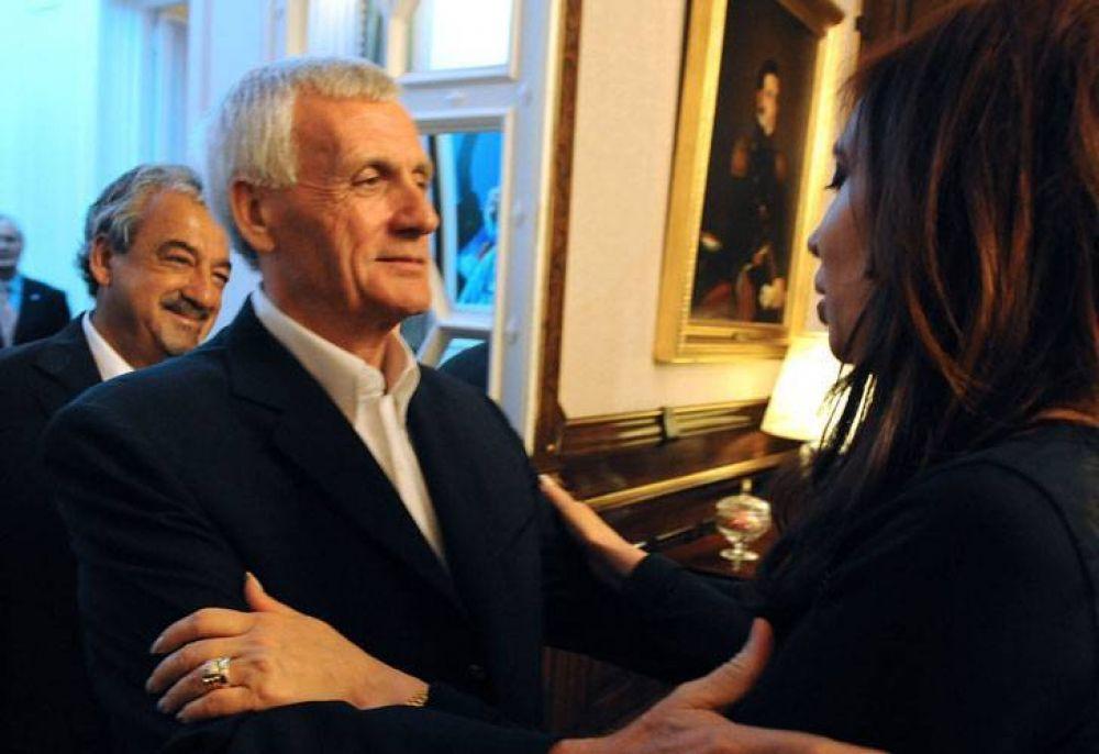 CFK se reúne otra vez con Caló buscando techos salariales