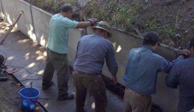 Irrigaci�n impermeabiliza la Hijuela Butron de San Mart�n con losas premoldeadas