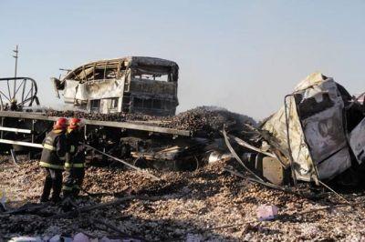 Tragedia en Mendoza en la ruta 7: trabajan para identificar a las víctimas de San Luis