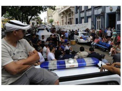Dictan 60 días de prisión preventiva para los policías sediciosos